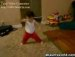 귀여운 어린이의 신나는 브레이크 댄스