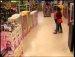 """""""흐미... 무섭겠다"""" 외국 장난감 가게에서 펼처진 몰래카메라"""