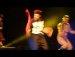 무대에서 카리스마 폭발하는 헨리